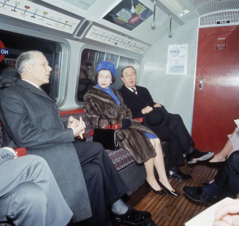 Queen On Victoria Line