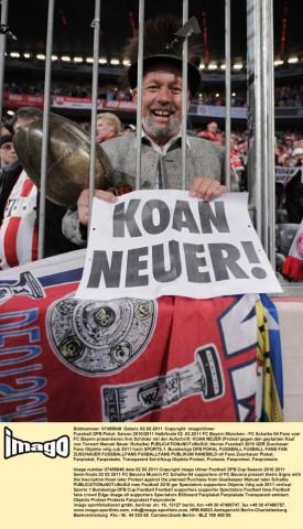 Bayern Fans gegen Neuer