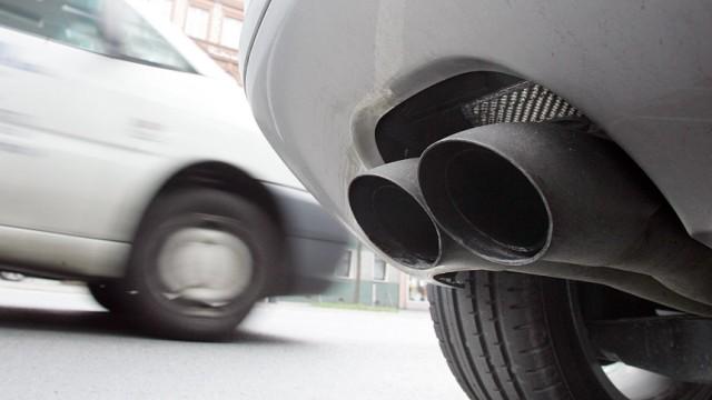 Biokraftstoff E10: Trotz allgemeiner Aufregung ist in Deutschland offenbar noch kein Auto wegen E10 liegengeblieben.