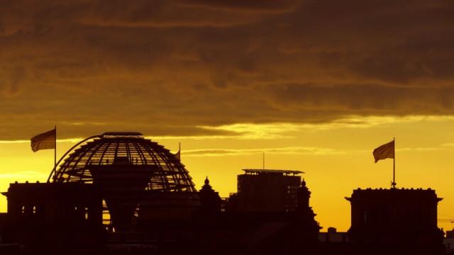 Sonnenaufgang am Berliner Reichtstagsgebaeude