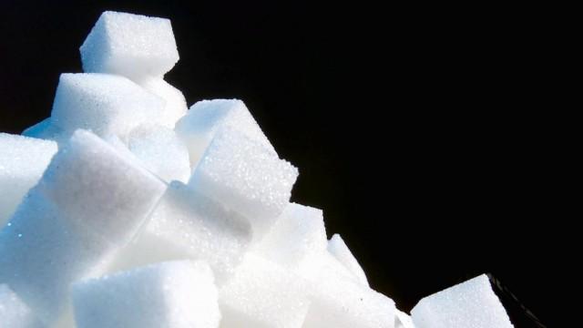Ratgeber Essen und Trinken: Zucker - weniger ist mehr