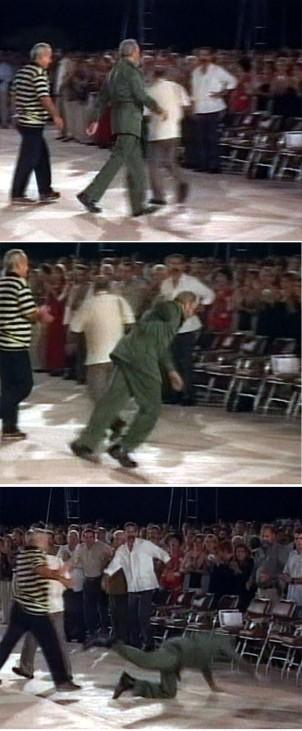 Fidel Castro stürzt nach Rede in Santa Clara, 2004