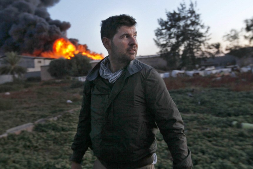 Photographer Chris Hondros gravely injured in Misrata