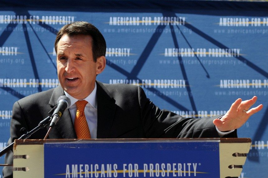 Pawlenty, Santorum Attend Tea Party Tax Day Rally At NH State House