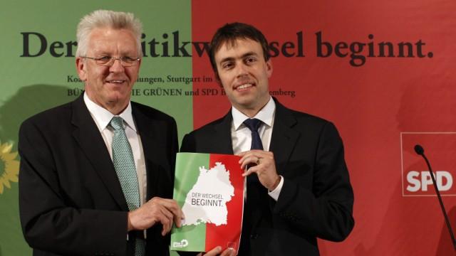 Kretschmann of Green Party 'Buendnis 90/ Die Gruenen' and Schmid of SPD present coalition agreement of new government in Stuttgart