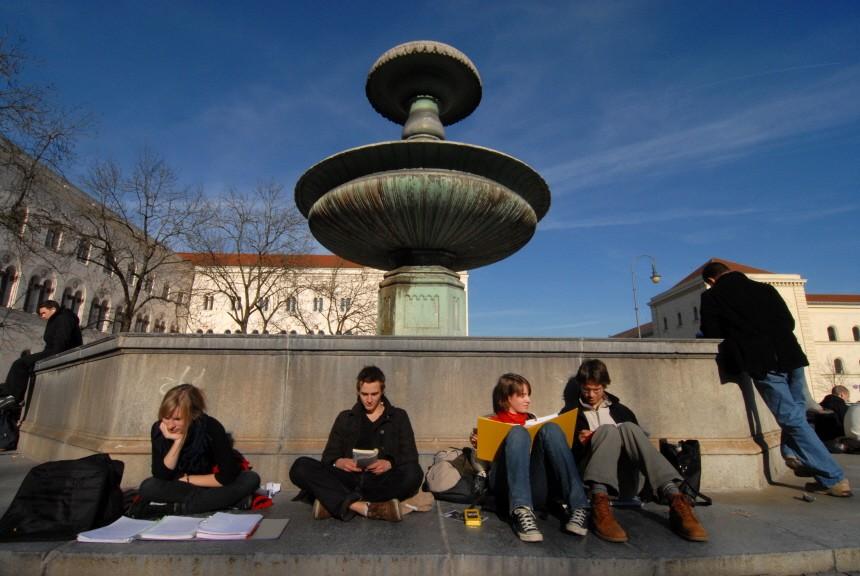 Studenten vor der LMU, 2008