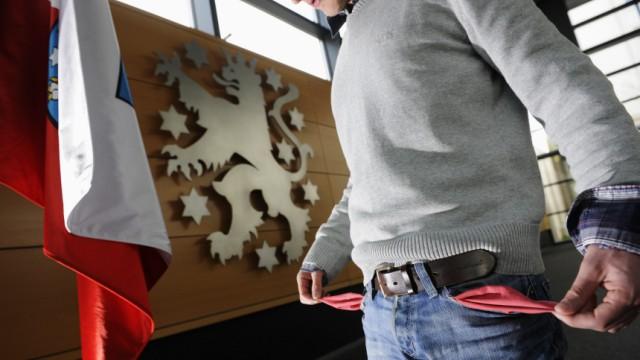 Praktikanten gehen in Thueringer Parteien und Ministerien finanziell oft leer aus