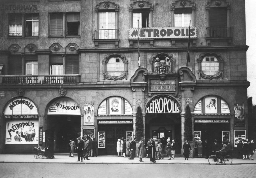München historisch: Kino am Sendlinger Tor | Historic Munich: Cinema at Sendlinger Tor.