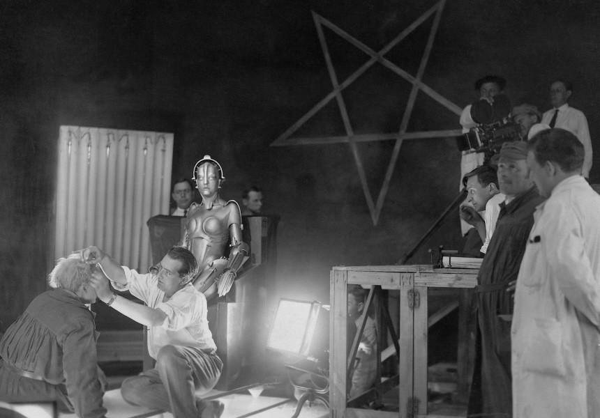 Fritz Lang bei Dreharbeiten zu 'Metropolis', 1927 | Fritz Lang during filming of 'Metropolis', 1927