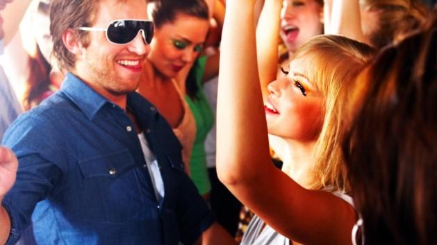 """#flirtennachbravo: Ob dieses """"Girl"""" alles richtig macht, um die Aufmerksamkeit des """"Boys"""" zu erregen?"""