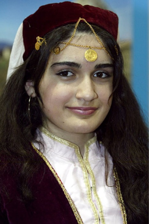 Azerbaijan Frau