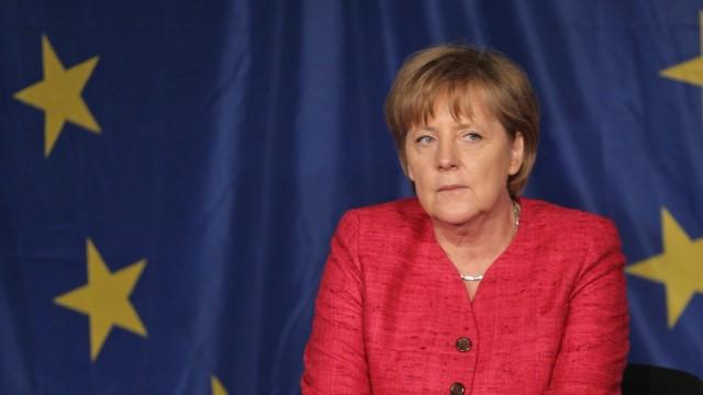 BESTPIX  Merkel Visits Sophie Scholl School