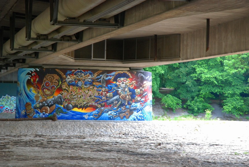 Graffiti Brudermühlbrücke