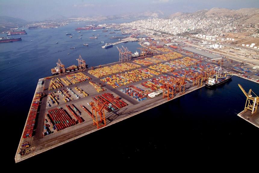 Athen veröffentlicht griechisches Sparprogramm - Hafen von Piräus