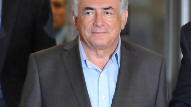 IMF director general Strauss-Kahn taken into custody for question