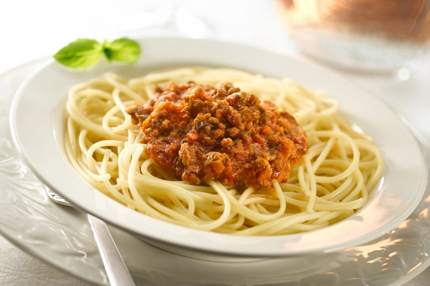spaghetti with ragu bolognese