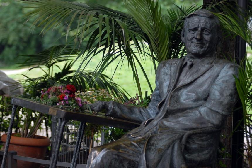 Helmut Fischer Statue in München, 2007