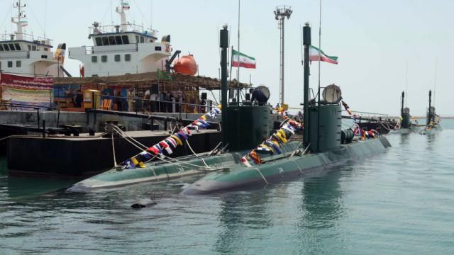 Iran schickt U-Boote ins Rote Meer: Iran setzt zum ersten Mal U-Boote auf hoher See ein. Im Bild: EIn neues Klein-U-Boot vom Typ Ghadir.