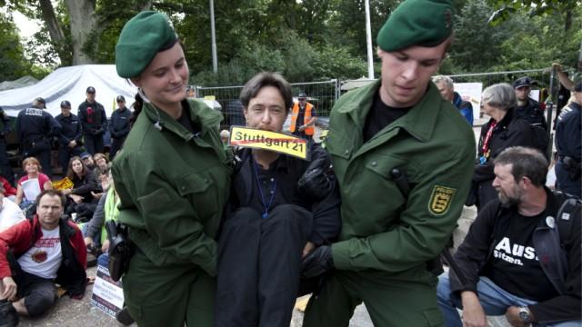 Rund 300 Demonstranten an 'Stuttgart 21'-Baustelle