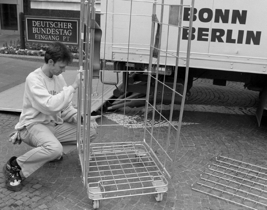 UMZUG BONN-BERLIN
