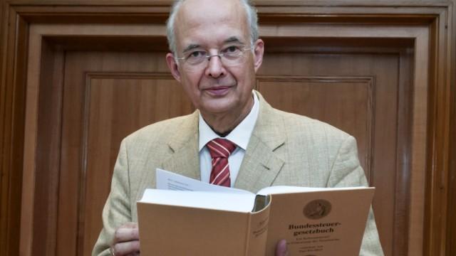 Paul Kirchhof praesentiert Entwurf eines Bundessteuergesetzbuches