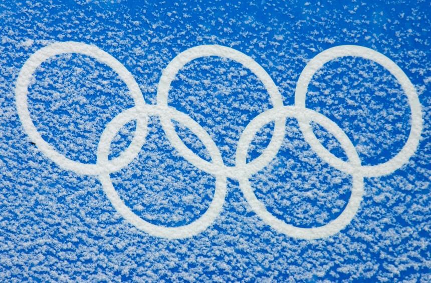 Olympia Turin - Olympische Ringe mit Schnee bedeckt