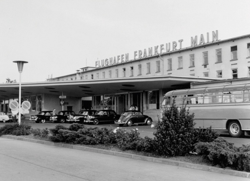 Deutschlands groesster Flughafen wird 75 Jahre alt