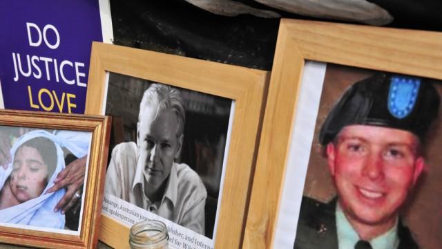 Wikileaks-Informant Manning: Bilder von Wikileaks-Gründer Julian Assange und Bradley Manning vor einem Gericht in London