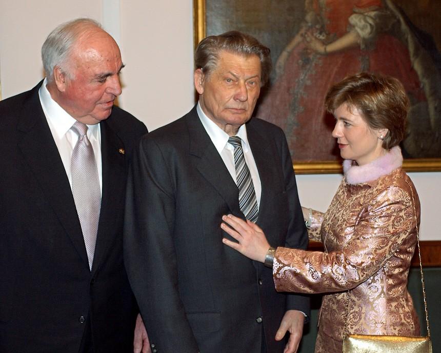 Köhler empfängt Kohl, Leo Kirch und Maike Richter