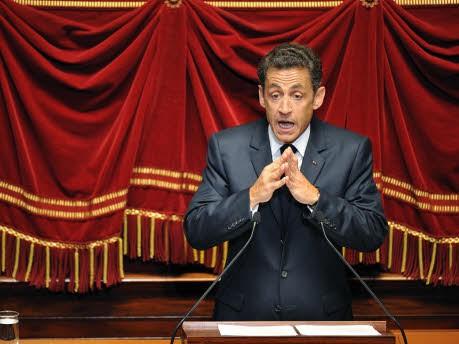 Der kleine Mann im großen Schloss, Nicolas Sarkozy in Versailles; AP