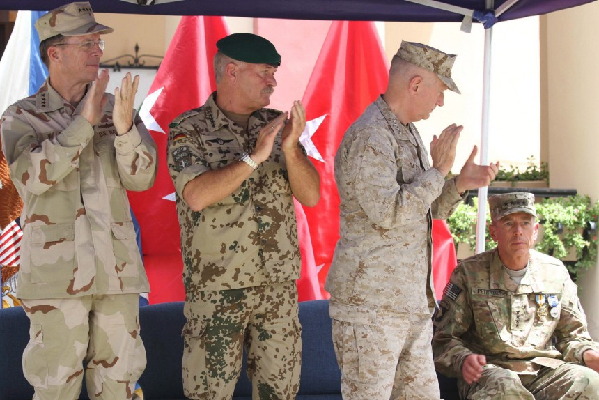 US General Allen takes command in Afghanistan from Petraeus