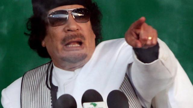 NATO planes bomb Gaddafi compound