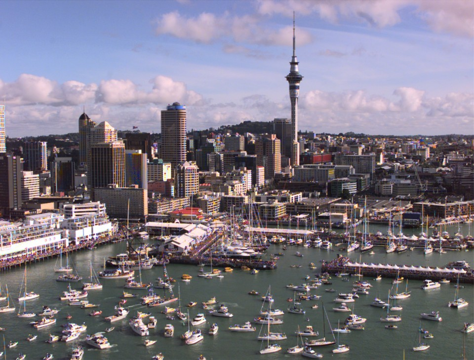 PRADA WINS FINAL RACE OF THE LOUIS VUITTON CUP IN AUCKLAND