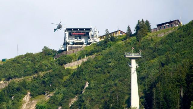 Gleitschirm kollidiert mit Bergbahn