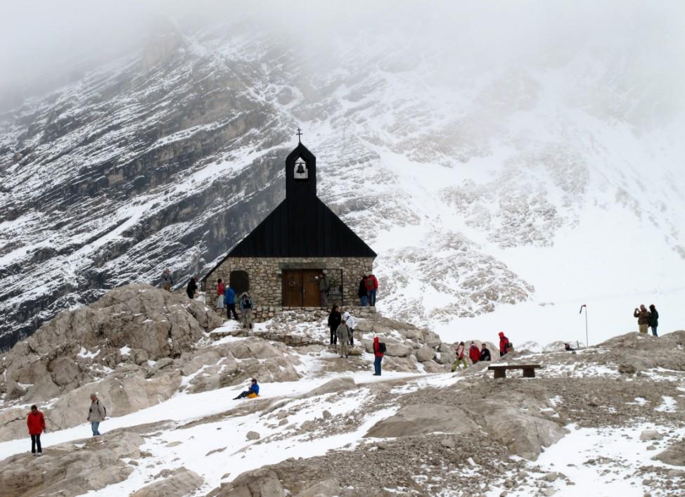 Die Zugspitze zieht: Touristenrummel auf dem Dach Deutschlands