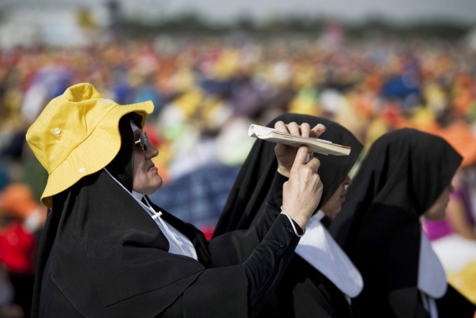 POPE BENEDICT CELEBRATES A HOLY MASS TO CLOSE WYD FESTIVAL