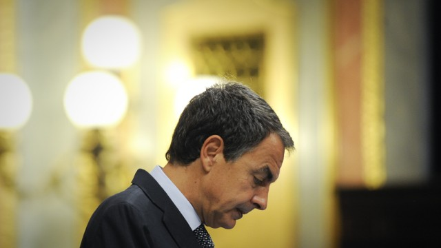 Madrid führt Schuldenbremse ein: Spaniens Ministerpräsident José Luis Rodríguez Zapatero verkündet überraschend die Einführung der Schuldenbremse.