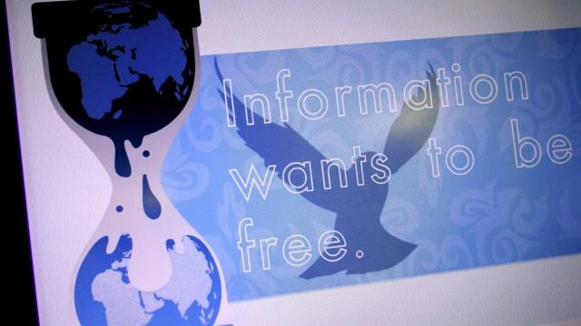 Datenleck bei Enthüllungsplattform: Ein bereits vor Monaten veröffentlichtes Passwort ermöglicht offenbar den Zugang zu bislang unredigierten US-Depeschen auf der Enthüllungsplattform Wikileaks. In einer Stellungnahme wirft die Organisation dem britischen Reporter David Leigh vor, das Passwort ohne deren Erlaubnis publiziert zu haben.