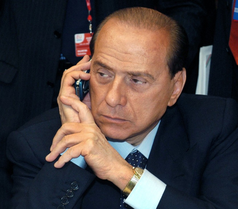 """Paar wegen Erpressung Berlusconis in Haft - Dieser: ´Scheißland"""""""