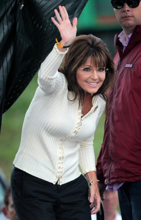 Sarah Palin Attends Tea Party 'Restoring America' Rally In Iowa