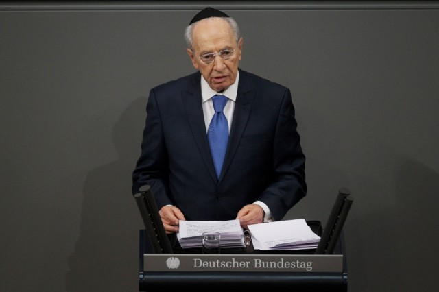 Peres Adresses Bundestag On International Holocaust Remembrance Day