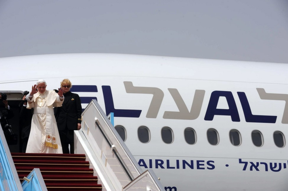 Pope Benedict XVI Farewell Ceremony At Ben Gurion Airport