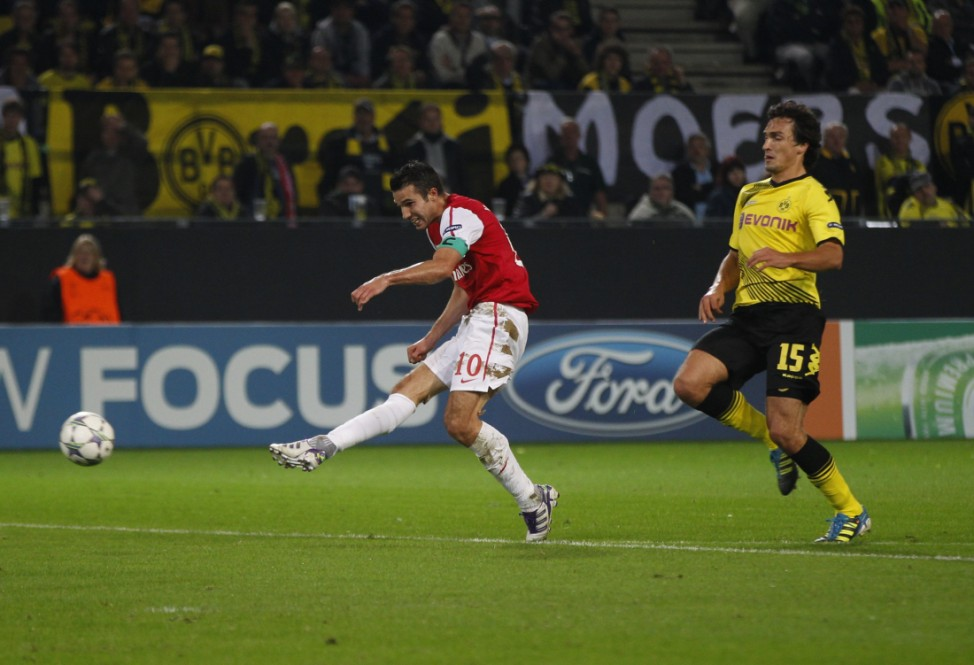 Arsenal's van Persie scores a goal against Borussia Dortmund during their Champions League soccer match in Dortmund