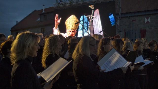 Lichterfest auf Burg Scharfenstein zur Einstimmung auf den Papstbesuch