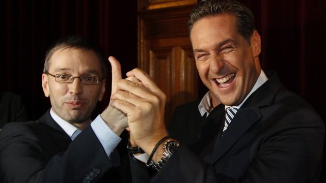 Spitzenpersonal der österreichischen Rechtsaußen-Partei FPÖ: Parteiobmann Heinz-Christian Strache mit Generalsekretär Herbert Kickl