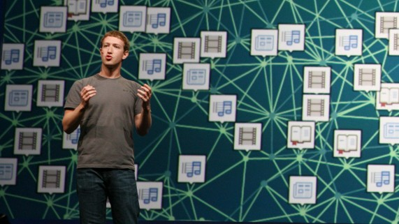 Facebook-Strategie: TOPSHOTS Facebook CEO Mark Zuckerberg delivers a keynote during the Facebook f8 Developer Conference at the San Francisco Design Center in San Francisco on September 22, 2011 in California. TOPSHOTS/AFP PHOTO / Kimihiro Hoshino