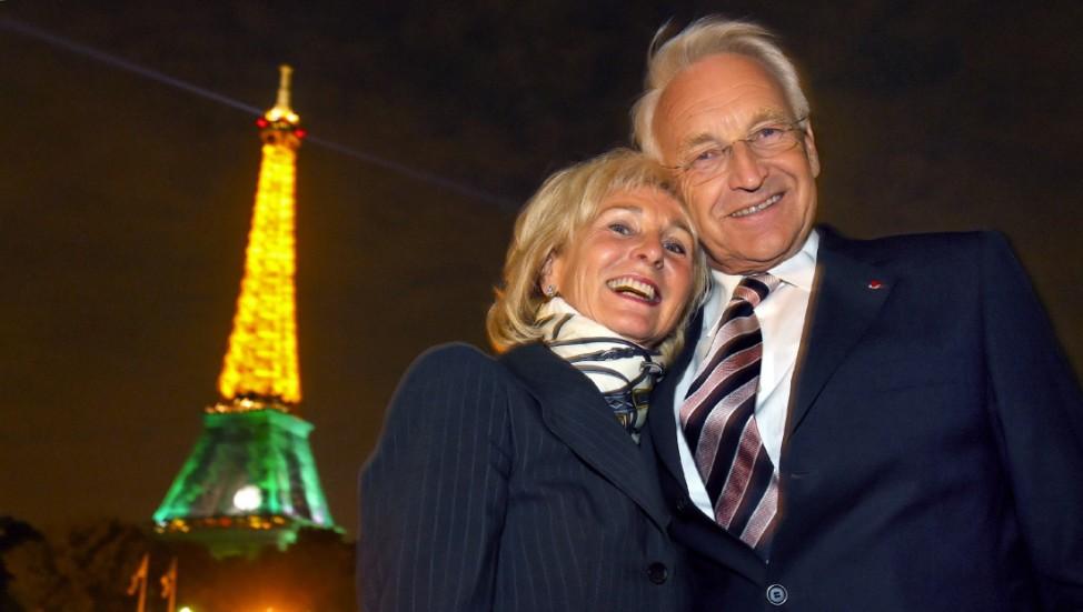 Stoiber und Frau bei Bootsfahrt auf der Seine