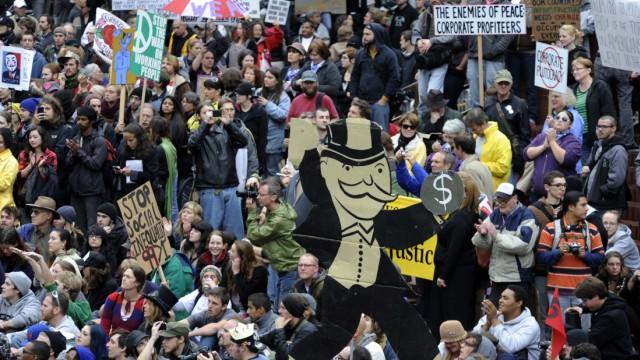 """Protestbewegung """"Occupy"""" in Europa: Wie viele Menschen am Samstag in Deutschland tatsächlich demonstieren werden, wissen bisher weder Veranstalter noch Ordnungsamt und Polizei genau. Weltweit sind Proteste in mehr als 70 Ländern geplant."""