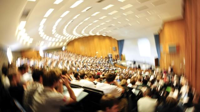 Studentenzahlen in NRW erreichen Rekordhoehe
