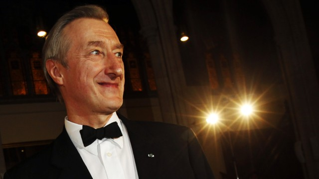 British author Julian Barnes smiles after winning the 2011 Man Booker Prize for Fiction  with his book 'The Sense of an Ending' at the Guildhall in London